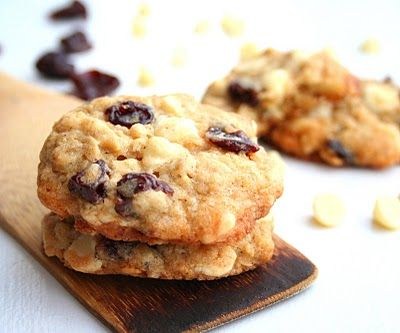 Cherry White Chocolate Chip Oatmeal Cookies | All Day I Dream About ...