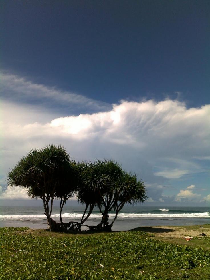 bukan wartawan: Sayang Heulang Beach, Garut