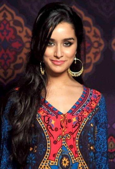 Buy shraddha Kapoor earrings in Jumkey.com