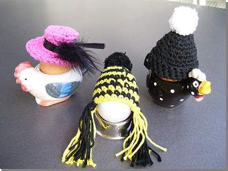 Egg-warmer  ~ LINK CORRECT and pattern is FREE when I checked on 04/09/2015.