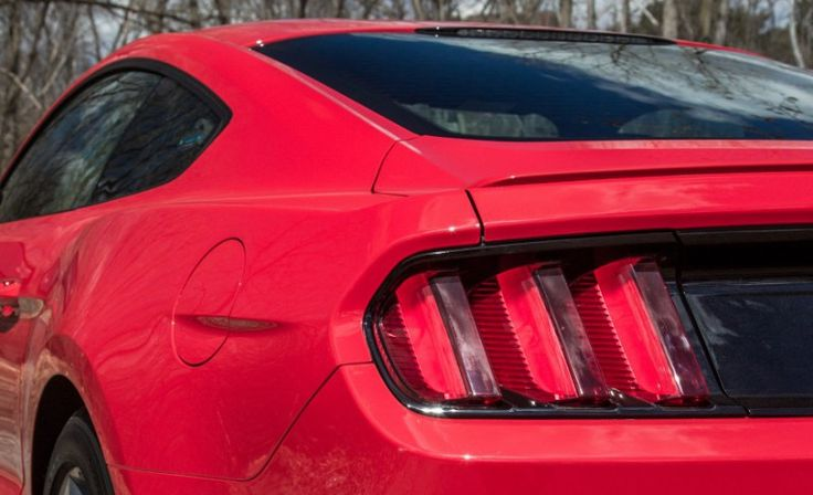 2015 Ford Mustang V-6 Car Back Light Pictures