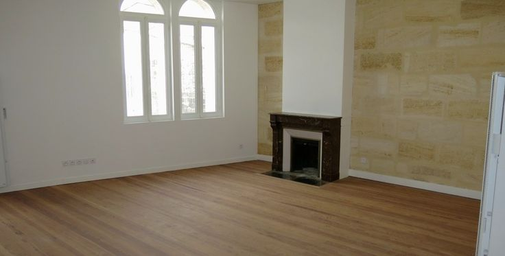 Bordeaux, appartement traversant de 95m2 entièrement rénové avec goût et matériaux de qualité. Beaux volumes, et éléments anciens conservés: cheminée, parquets, ... www@agence-bordeaux.fr #bordeaux #immobilier #appartement #rénové