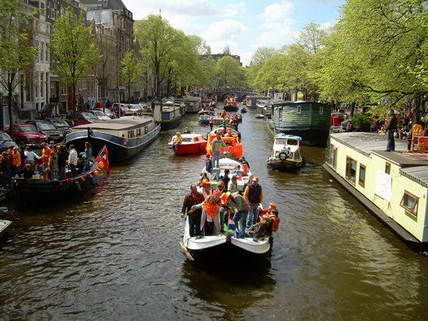 Amsterdam Stag Strip Boat - Want the Booze Cruise but with a Stripper added on for good fun? We've got the answer in our Stag Strip Boat Cruise along the canals of Amsterdam. #stagamsterdam #stag #ideastag