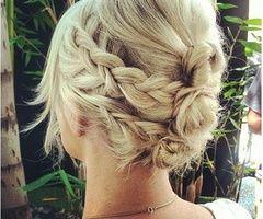 Flechtfrisur mittellanges/langes Haar
