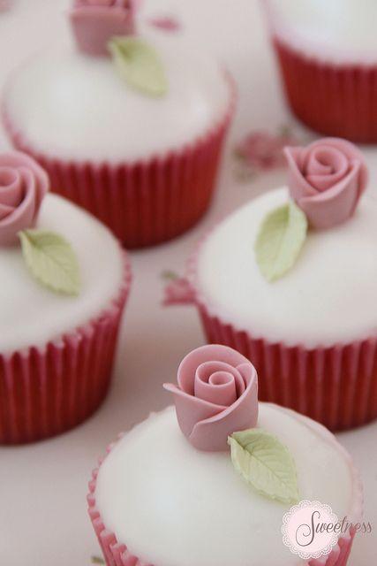 Fondant Rose Cupcakes