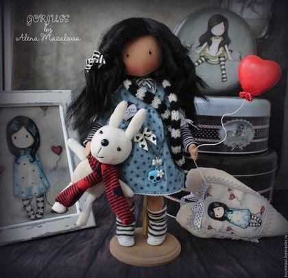 Купить или заказать GORJUSS... Коллекционная текстильная кукла в интернет-магазине на Ярмарке Мастеров. Текстильная коллекционная куколка по мотивам иллюстраций Сьюзан Вулкотт . Куколка высотой около 30 см , продаётся вместе с картиной в рамке и сердечком ! Прекрасный необычный подарок и стильное решение интерьера !