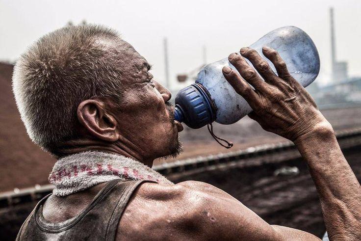 drink water,migrant worker
