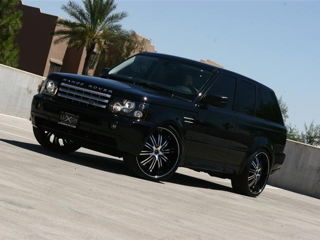Black Range Rover Sport    but with black rims instead of