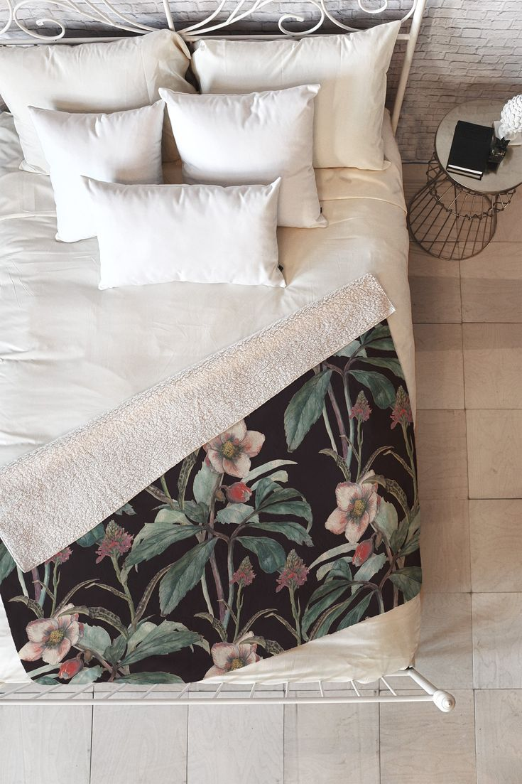 Dramatic Garden Fleece Throw Blanket Cayenablanca