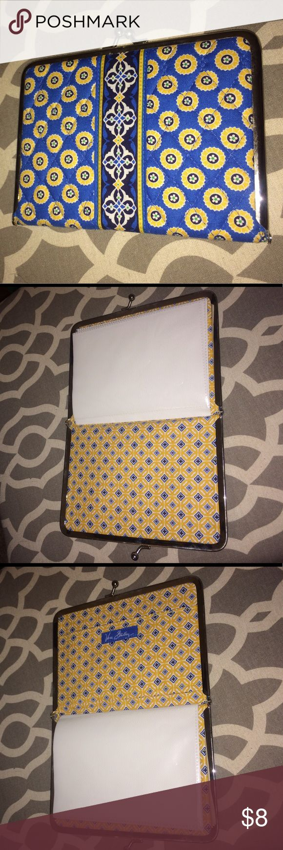 Vera Bradley Riviera Blue photo album Excellent condition Riviera Blue Vera Bradley photo album - holds 4x6 photos and has a pocket in the back - clasps shut - great for a small scrapbook or album - or organize coupons on the go! Vera Bradley Accessories