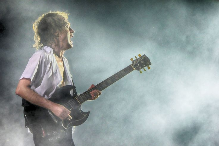 398 best AC/DC images on Pinterest | Ac dc, Angus young and Malcolm ...