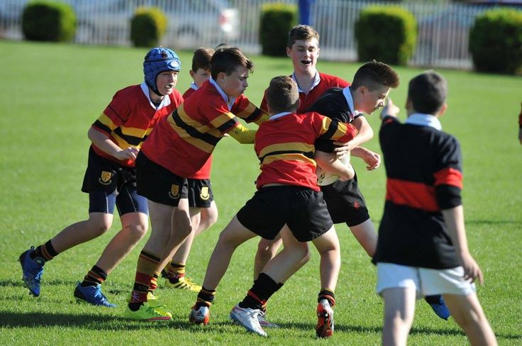 Some Photos from the U14s versus High School. Thanks to Orla Comerford