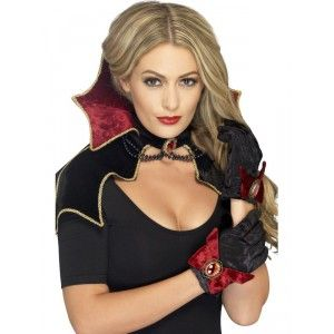 Idéal pour completer votre tenue de vampire, ce kit d'accessoires fera son plus…