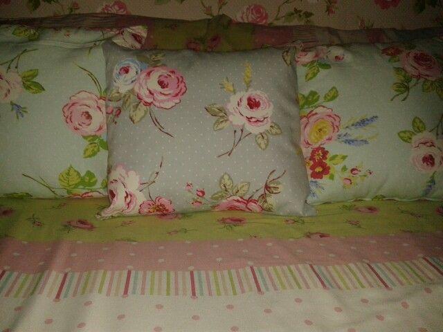 Center cushion