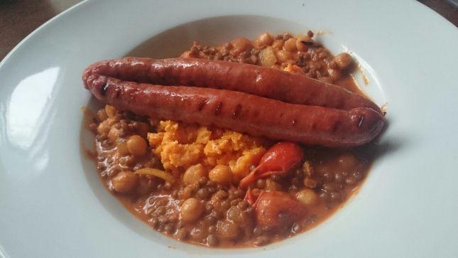 Rode Curry met Linzen en Kikkererwten en Puree van Zoete Aardappelen met Geitenkaas