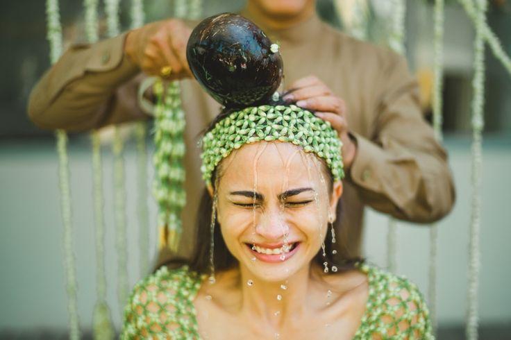 Siraman - Javanese prewedding tradition I Terralogical   Bali, Destination, Southeast Asia Wedding Photographer