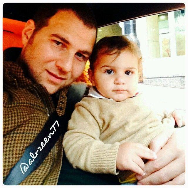 Marwan bin Mohammed bin Rashid Al Maktoum con su hijo, Rashed bin Marwan bin Mohammed Al Maktoum, 2014. Vía: alrzeen77