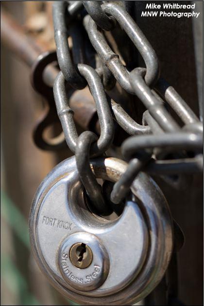 lock nd chain...