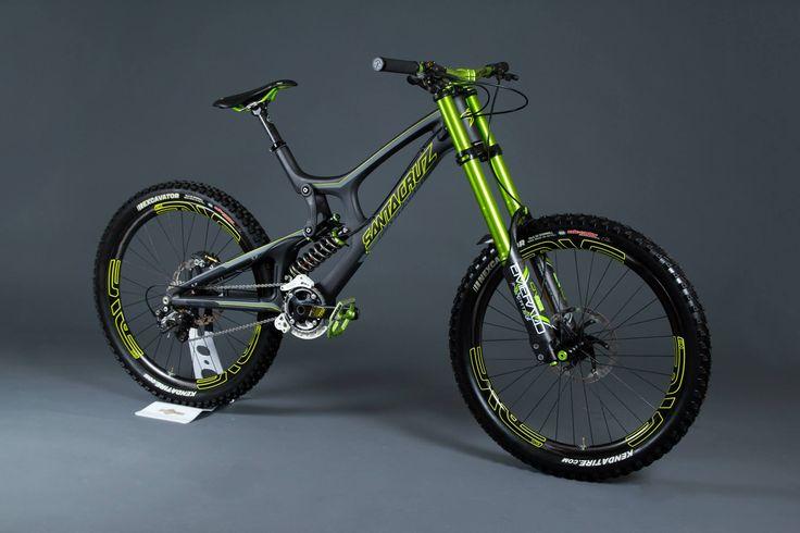 Downhill bike: Santa Cruz V10 Carbon *Speacial. $8286