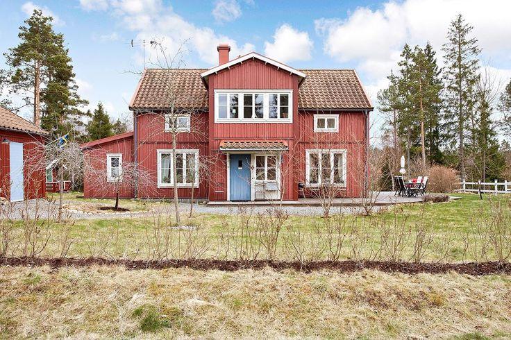 Vackert hus i lantlig stil. Skogslyckan 4 - Bjurfors