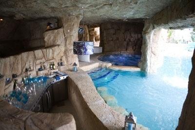 Large Bathroom Jacuzzi Tub