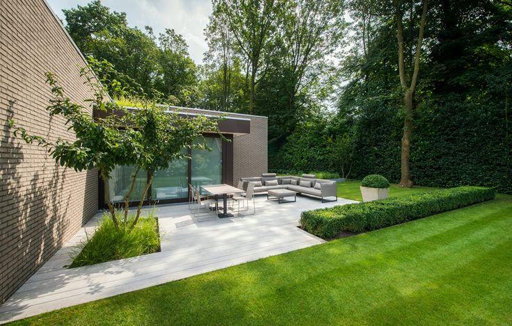 Aangelegde tuinen door tuinonderneming monbaliu strakke tuin in bosrijk gebied met ruime - Hoe aangelegde tuin ...