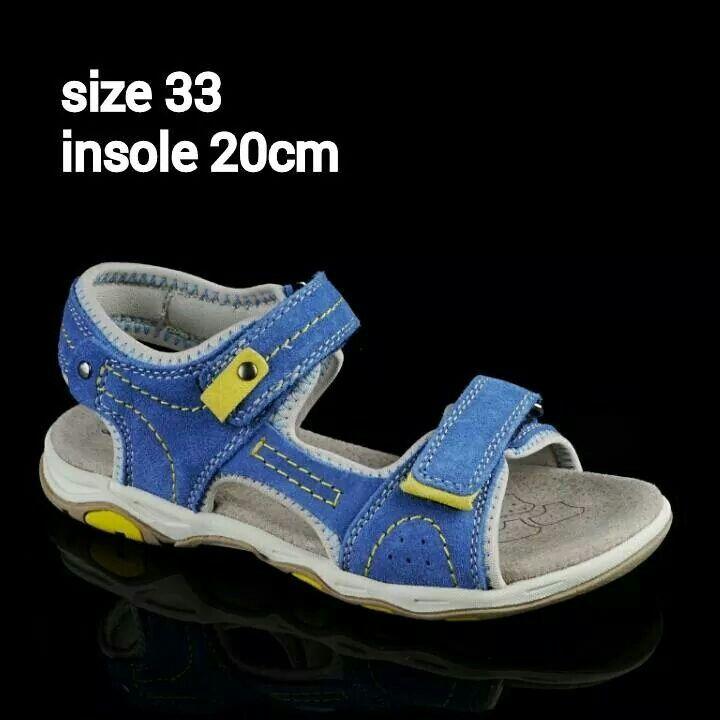 READY STOCK KIDS LEATHER SANDAL KODE : OCEAN BLUE Size 33 PRICE : Rp.225.000 AVAILABLE SIZE : - Size 33 (insole 20cm)  MATERIAL : Genuine Leather (Kulit Asli), Sol Empuk. Sesuai untuk anak-anak :)   FOR ORDER : SMS/Whatsapp 087777111986 PIN BB 766a6420 Facebook : Mayorishop  #pusatsepatubootsanak #sandalanak #sandalkulitanak #sandalsantai #sandalgunung #sandalnyaman #casualshoes #kulitasli #genuineleather #sisaekspor #brandedshoes #germanbrandedshoes #europeanbrand #originalbrand #readystock…