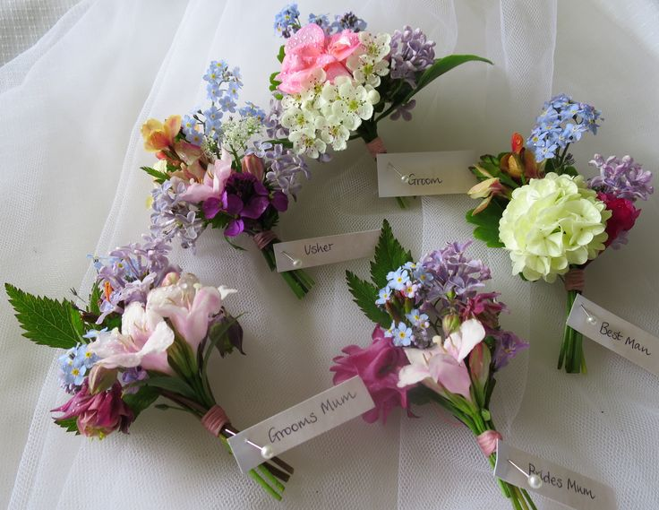 Buttonholes for a country barn wedding