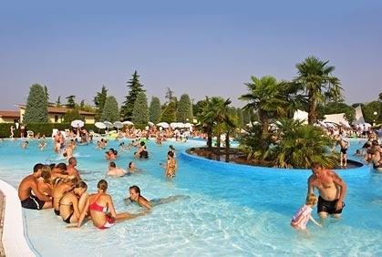 Camping Bella Italia > Peschiera del Garda > Gardameer > Veneto > Italië