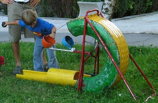 Juguetes con materiales reciclados.