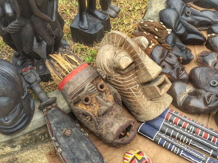 Beautiful Liberian crafts made in Liberia. #MadeinLiberia #liberiancraftsmanship #Liberiancrafts #Liberianpeople #LiberianArts #liberianculture #liberianheritage #westafrica #Monrovia #Liberia #lsvmagazine
