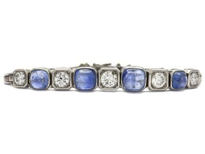 ARMBAND, 18K vitguld, 4 blå safirer, ca 3,00 ctv, 5 briljantslipade diamanter ca…