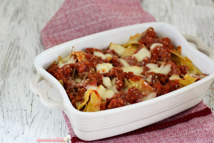 Pappardelle+al+forno+con+ragù+di+carne+e+scamorza+affumicata