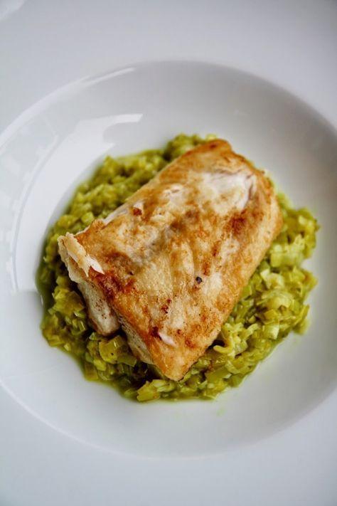 Filetto di pesce persico con porri al curry. MOLTO BUONO