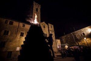 Abbadia San Salvatore, città delle Fiaccole si prepara a celebrare la sua antichissima festa del fuoco