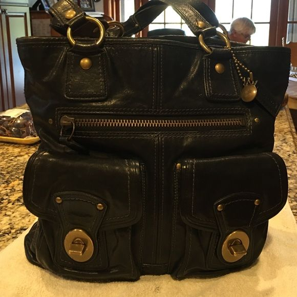 I just discovered this while shopping on Poshmark: % Authentic Coach leather Gigi bag. Check it out! Price: $559 Size: OS, listed by qsusie89