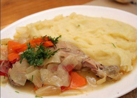Pollo escabechado, una sencilla y deliciosa manera de preparar el pollo. Acá tienes la receta paso a paso.