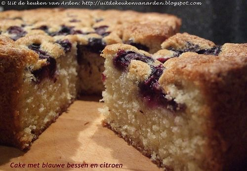 Cake met blauwe bessen en citroen by Levine1957, via Flickr