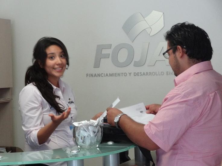 Para Fojal es muy importante brindarte una atención de calidad. Estamos a tus órdenes de lunes a viernes en horario de oficina de 8:30 a 5 de la tarde. Y a través de las redes sociales de lunes a domingos.
