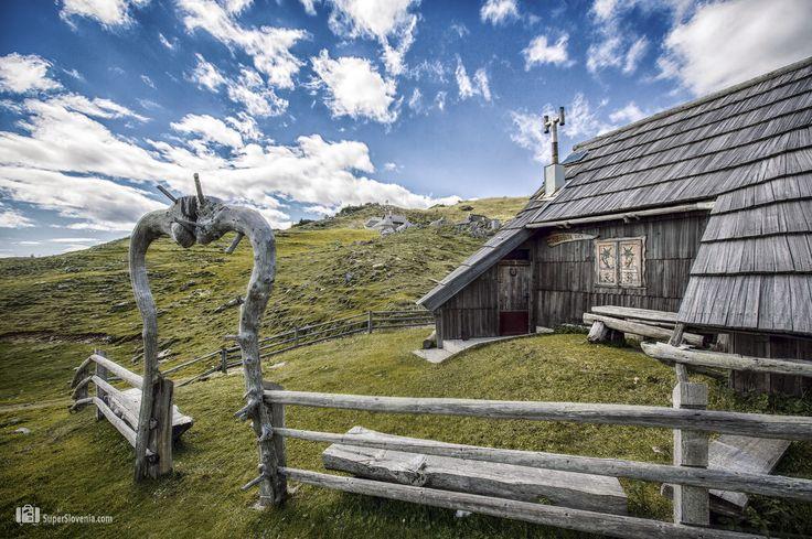 Fotonatečaj - Nagrajujemo fotografije iz Slovenije  Velika Planina, Kamnik, Slovenia  Foto by: @Show In My Eyes  #kamnik #velikaplanina #slovenia #nature #travel #travelslovenia