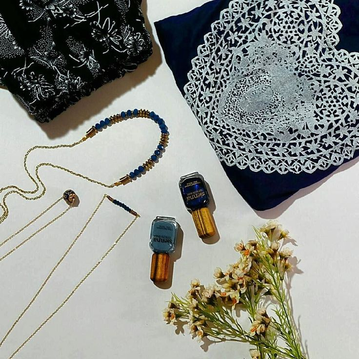 Are you trying to hold onto summer and not feel blue? We've picked out some of our favourite navy pieces. Pair it with some @siennabyronbay polish and we promise summer will hang around just that little bit longer! #jewellery #instafeed #onlineshopping #navy #blue #instafeed #australian #australianmade #newcastlelifestyle