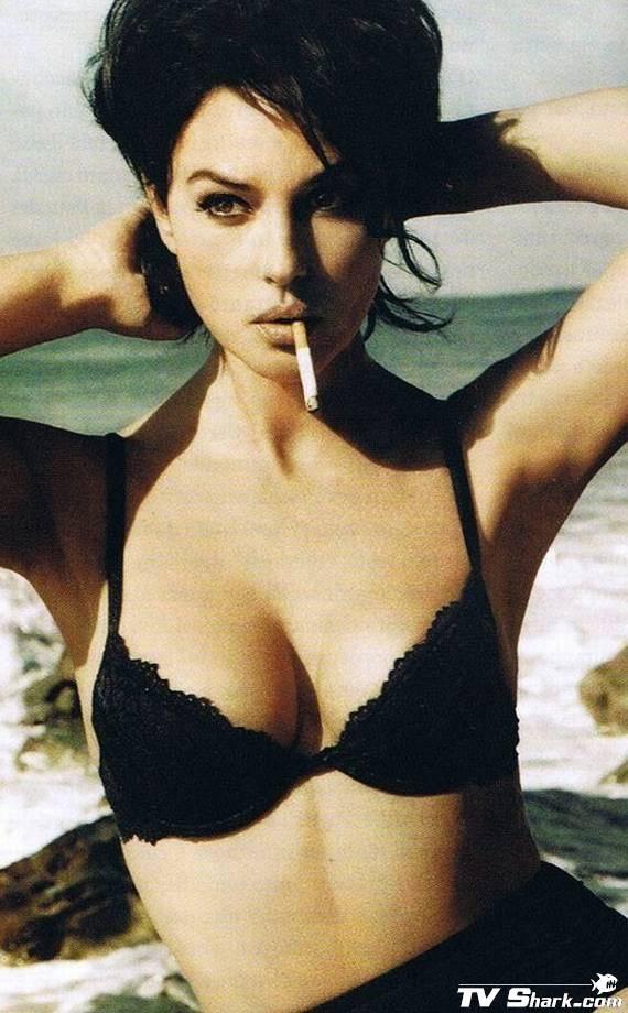 Monica Bellucci GQ Italy | Monica bellucci bikini, Monica bellucci, Beautiful female celebrities