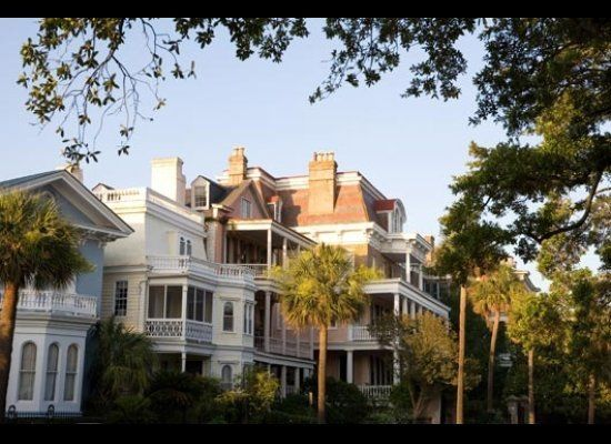 The battery carriage house inn charleston south carolina for Most haunted places in south carolina