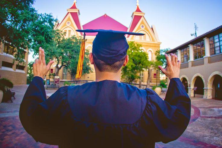Senior pictures Texas State University | paigevaughn.com