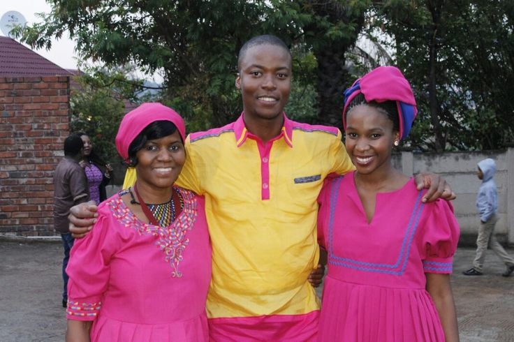 Teba with his two leading ladies, his bride and beautiful mom.