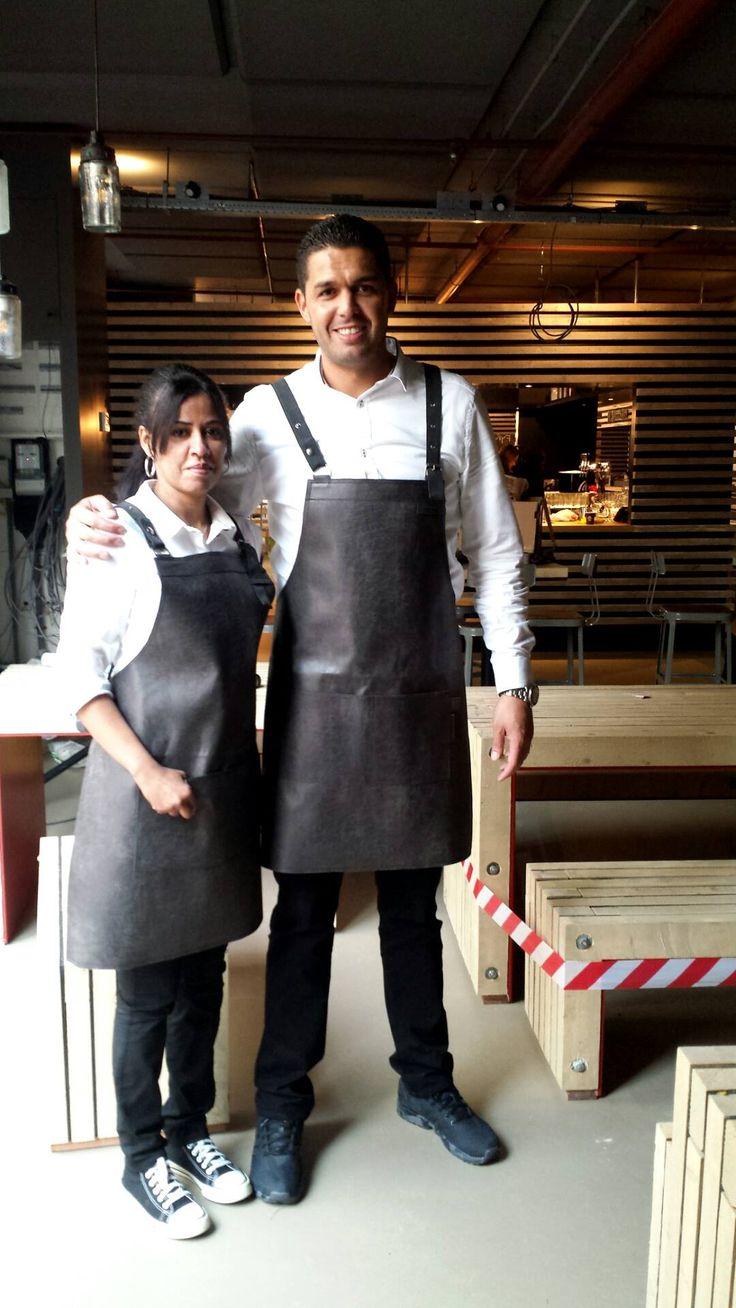 Lederen schorten voor Amicitia Food Village. Projecten Suit Up corporate fashion www.suitupnow.nl