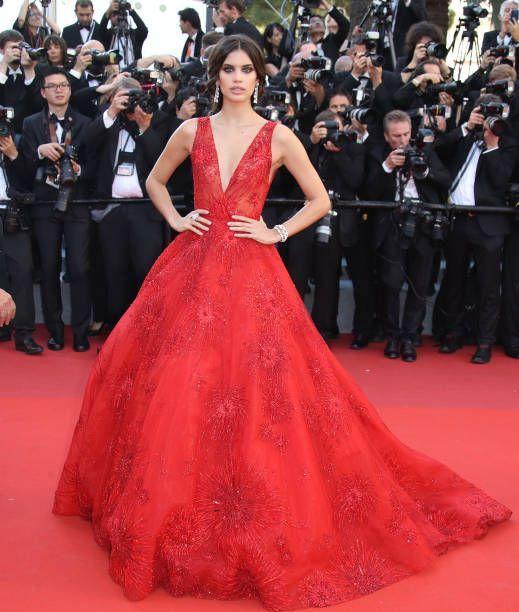 Sara Sampaio In Zuhair Murad Couture – 'Ismael's Ghosts' Cannes Film Festival Premiere 2017