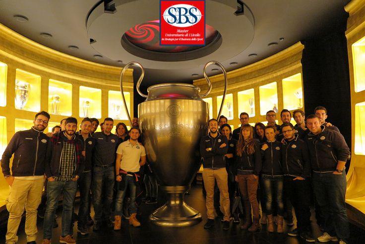 Gli studenti del #mastersbs al museo #mondomilan. #acmilan #casamilan #masterinsport