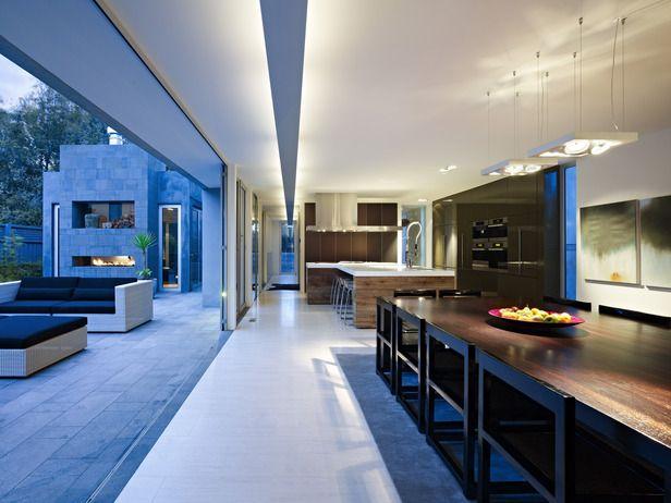 indoor-outdoor kitchen: Sliding Glasses Doors, Open Spaces, Contemporary Kitchens, Interiors Design, Outdoor Decks, House, Outdoor Spaces, Open Kitchens, Modern Kitchens