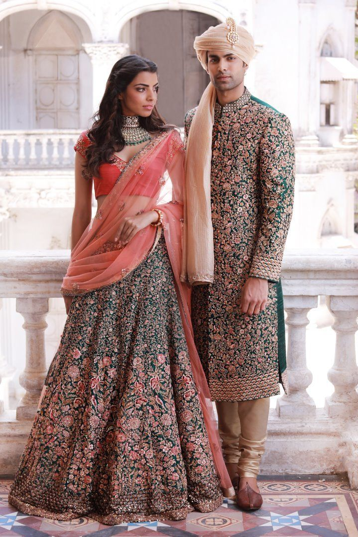 Shyamal & Bhumika have the most beautiful lehenga collection. I love the colour scheme of this mint green and coral one, especially when paired with gold!